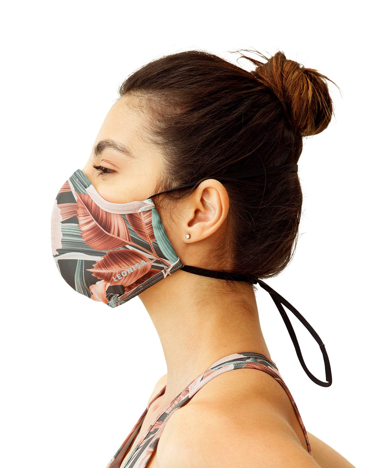 Airtight, Triple-Layered Face Mask with Anti-Fluid and Antibacterial Technology