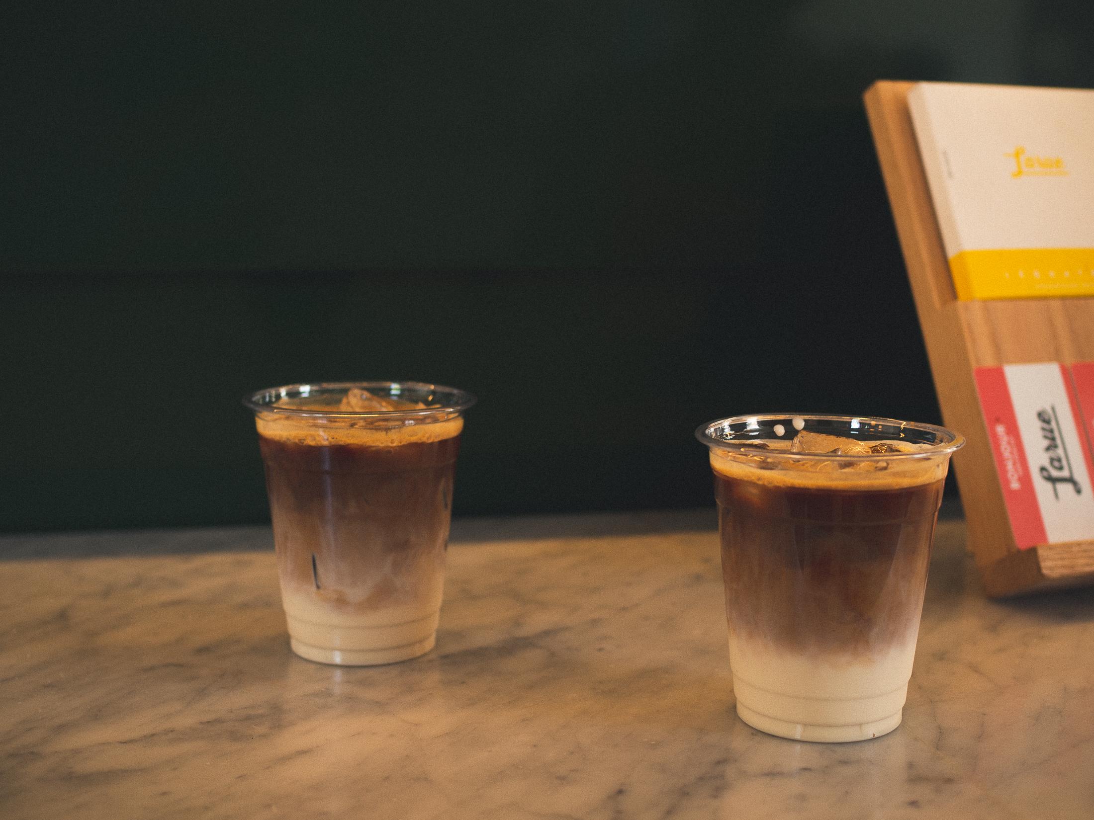deux cafés glacés