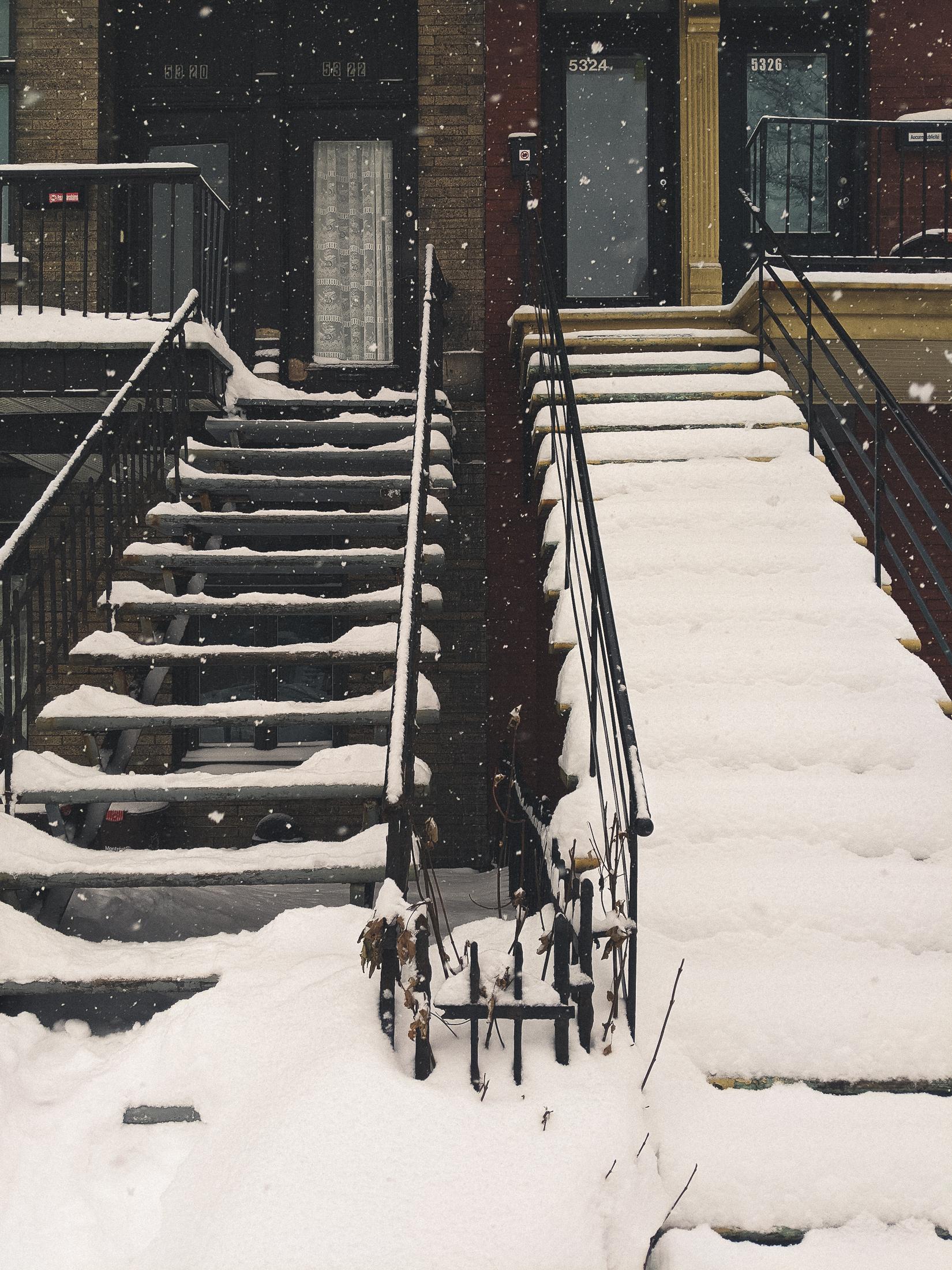 escaliers enneigés