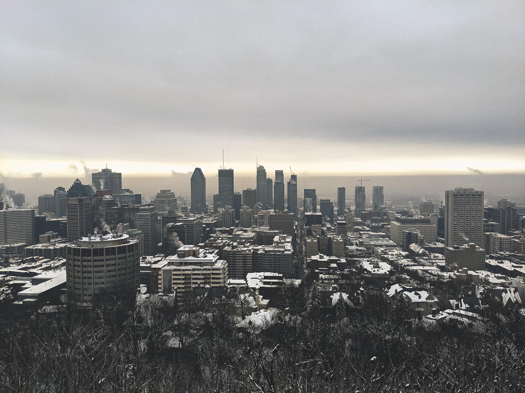 image de Montréal enneigée depuis la vue du belvédère Camillien-Houde