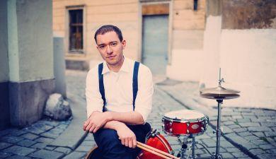 Amin - Schlagzeug in Wien lernen bei Amin über Lessondo