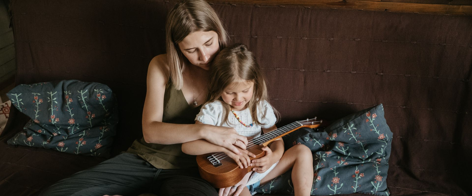 Titelbild des Blogartikels Wie Musikunterricht dein Kind positiv beeinflusst