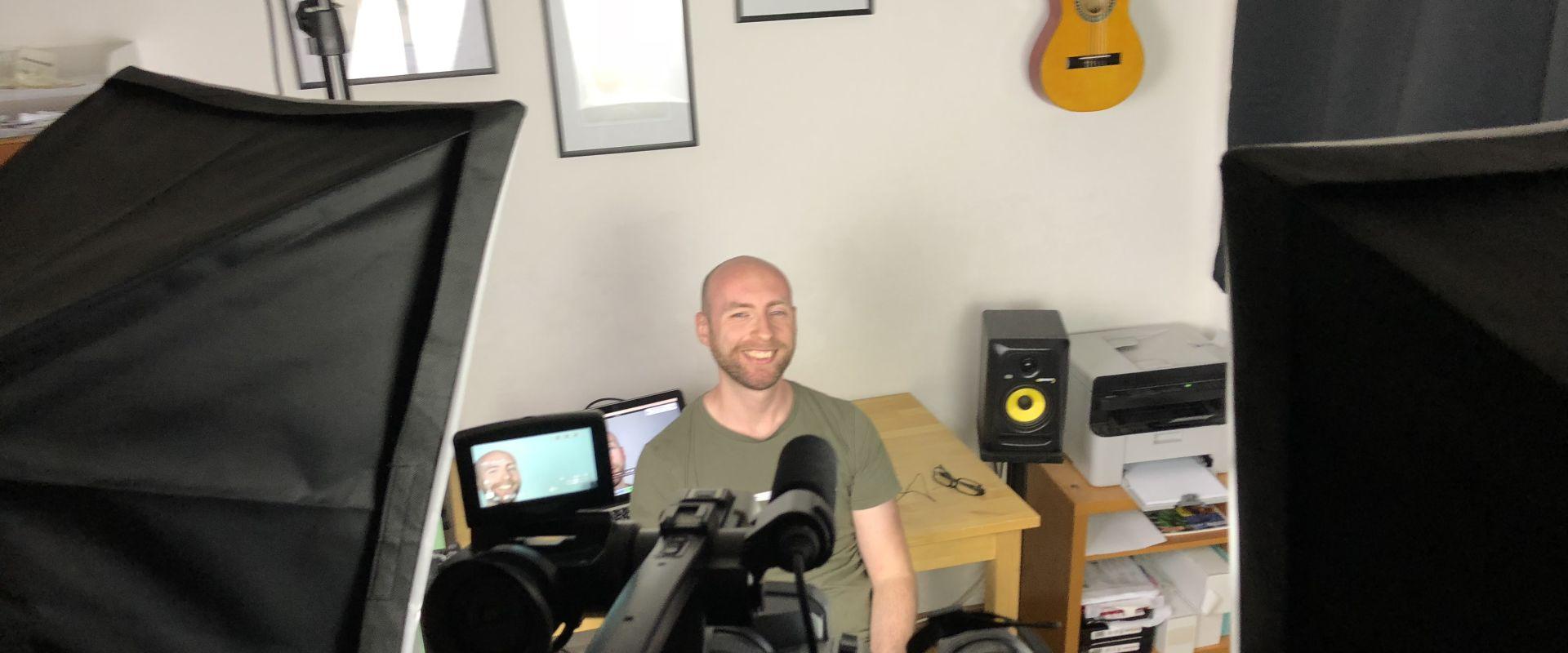 Titelbild des Blogartikels Lessondo plant kostenlose Video Interviews für alle LehrerInnen