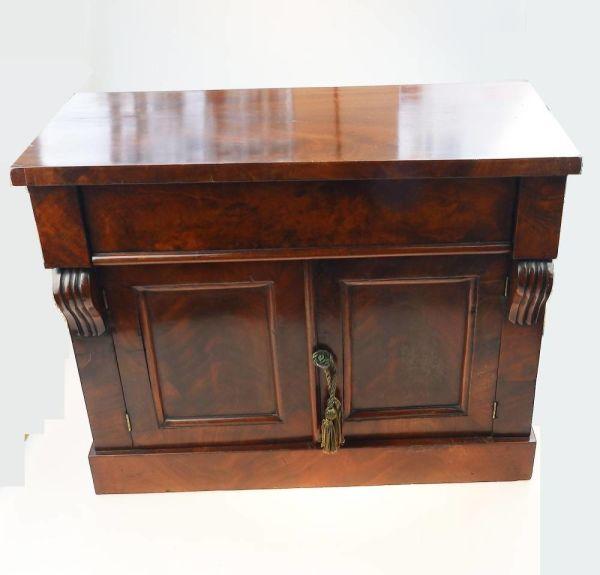 Treen 'miniature' Apprentice Piece