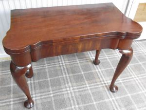 Georgian Mahogany Cabriole Legged Card Table