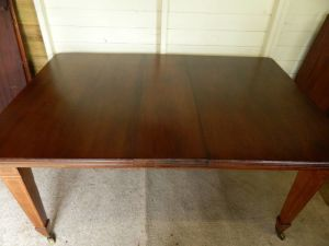 Mahogany Wind Out Extending Table With 6 Mahogany Chairs