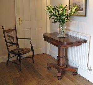 Early Victorian Mahogany Fold-over Top Pedestal Tea Table