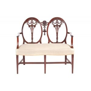 Outstanding Quality Carved Mahogany Settee