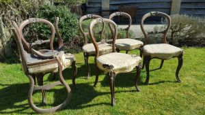 A Set Of 6 Victorian Walnut Balloon Back Chairs In French Style