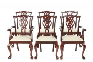 Fine Quality Set Of 6 Carved Mahogany Chippendale Style Dining Chairs