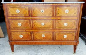 Excellent Inlaid Kingwood Commode