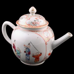 18th Century Chinese Porcelain Painted Tea Pot