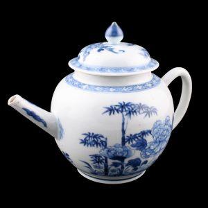 18th Century Chinese Porcelain Tea Pot