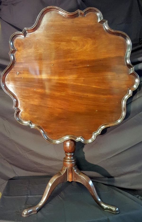 18th Century Chippendale Period 'piecrust' Occasional Table