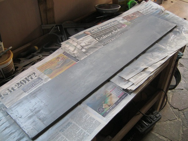 base_board_painted_grey_fse2q7.jpg