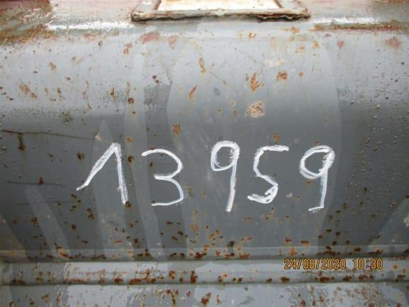 R918 LC-1308-44376_9.jpg