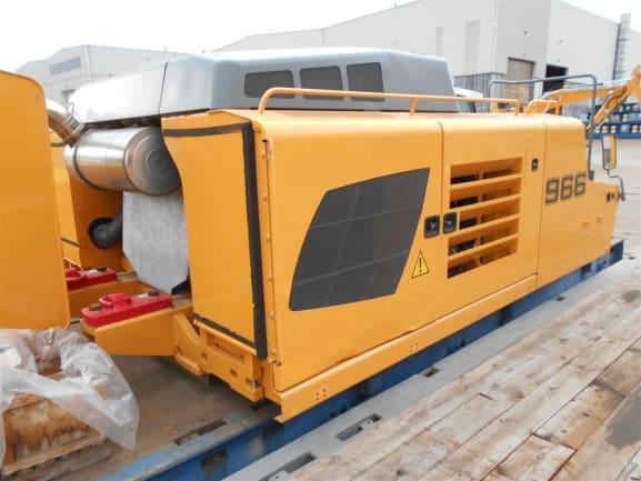 R966-39545 003 (Medium).JPG