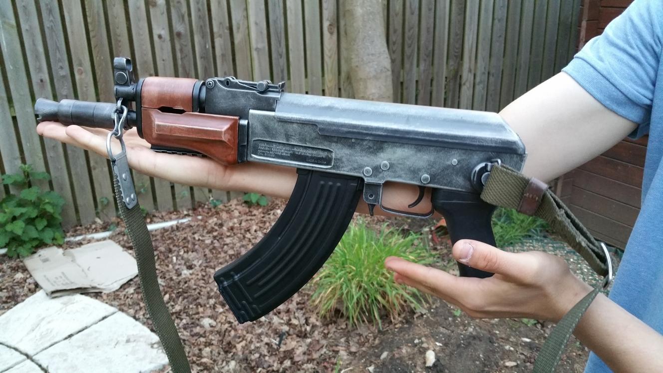 AK74U_Left_25_han2km.jpg