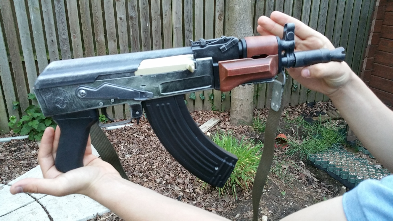 AK74U_Right_25_ylml02.jpg