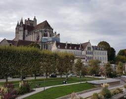 Découverte des châteaux et canaux en Bourgogne 0