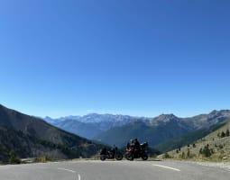 Col de l'Izoard à moto - Crédit : A. Peuple/Michelin