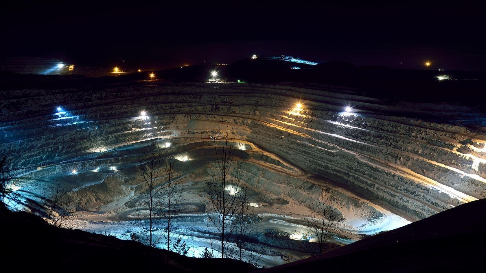 Cмотровая площадка Западного карьера в Качканаре. Фотограф Вадим Баталов