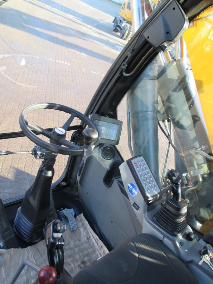 A920 EW LI-1179-77493_5.jpg