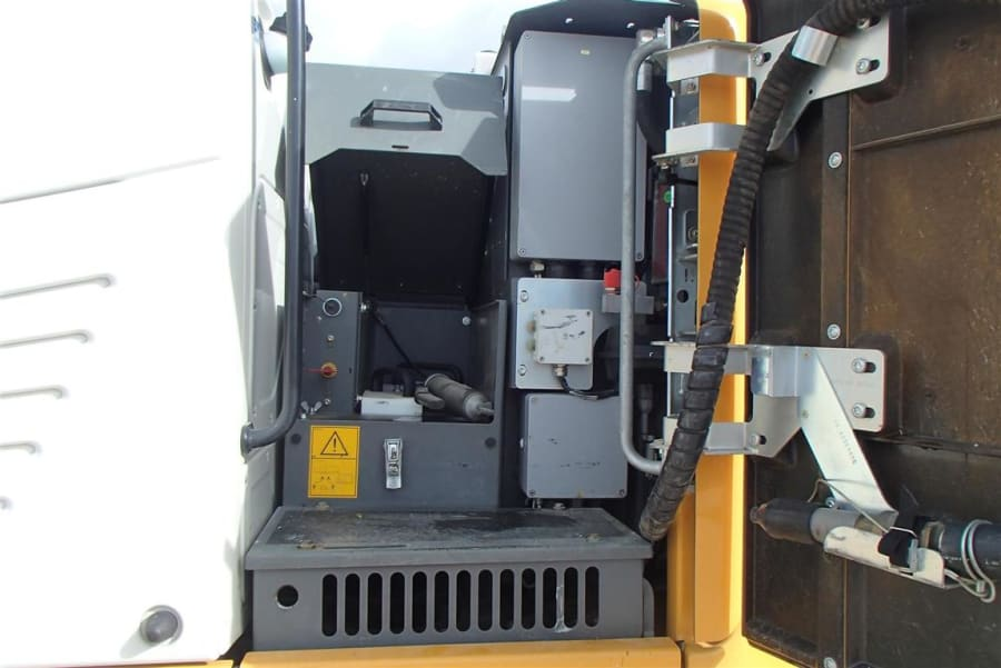 P1010009 (Large) (Medium).JPG