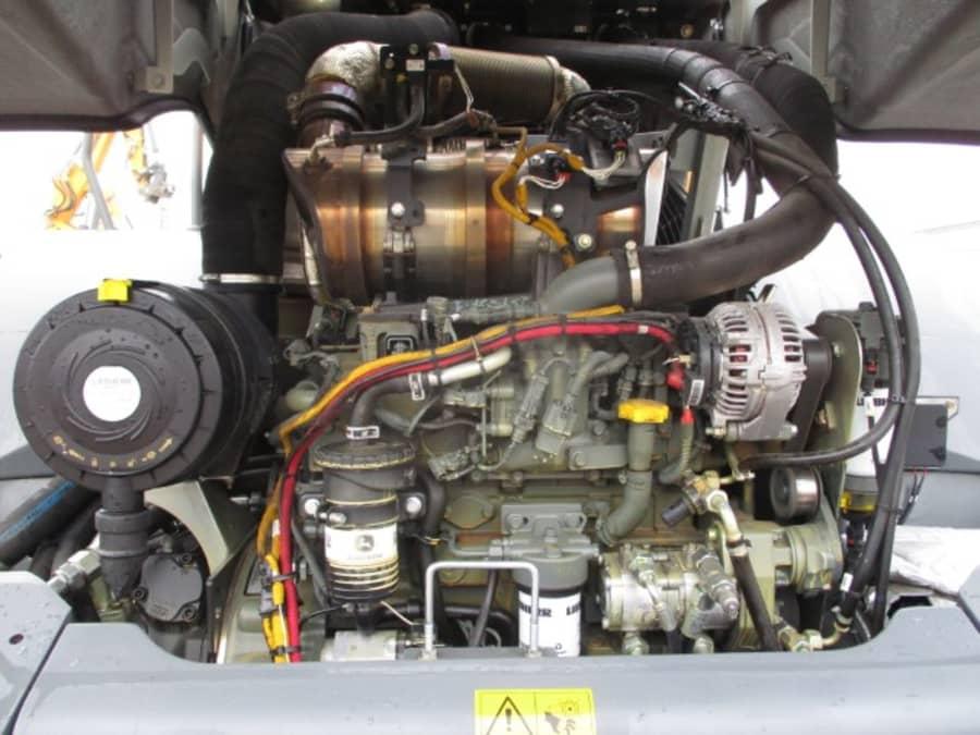 L526 Z-1558-44913_6.JPG