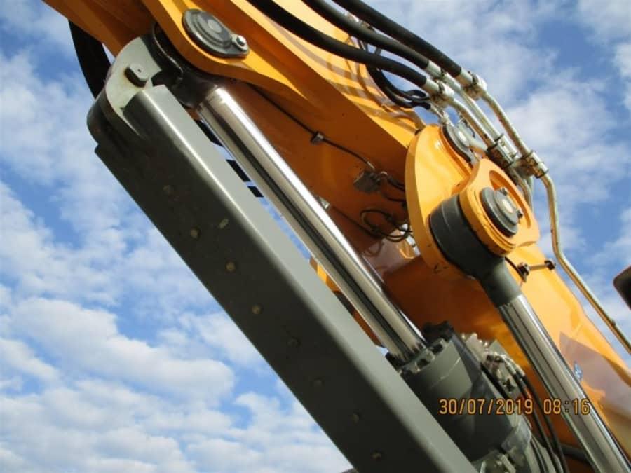 R918 LC-1308-39755_9.jpg