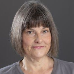 Carolyn Bampton