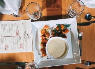 Cheese fondue with chicken and veggies