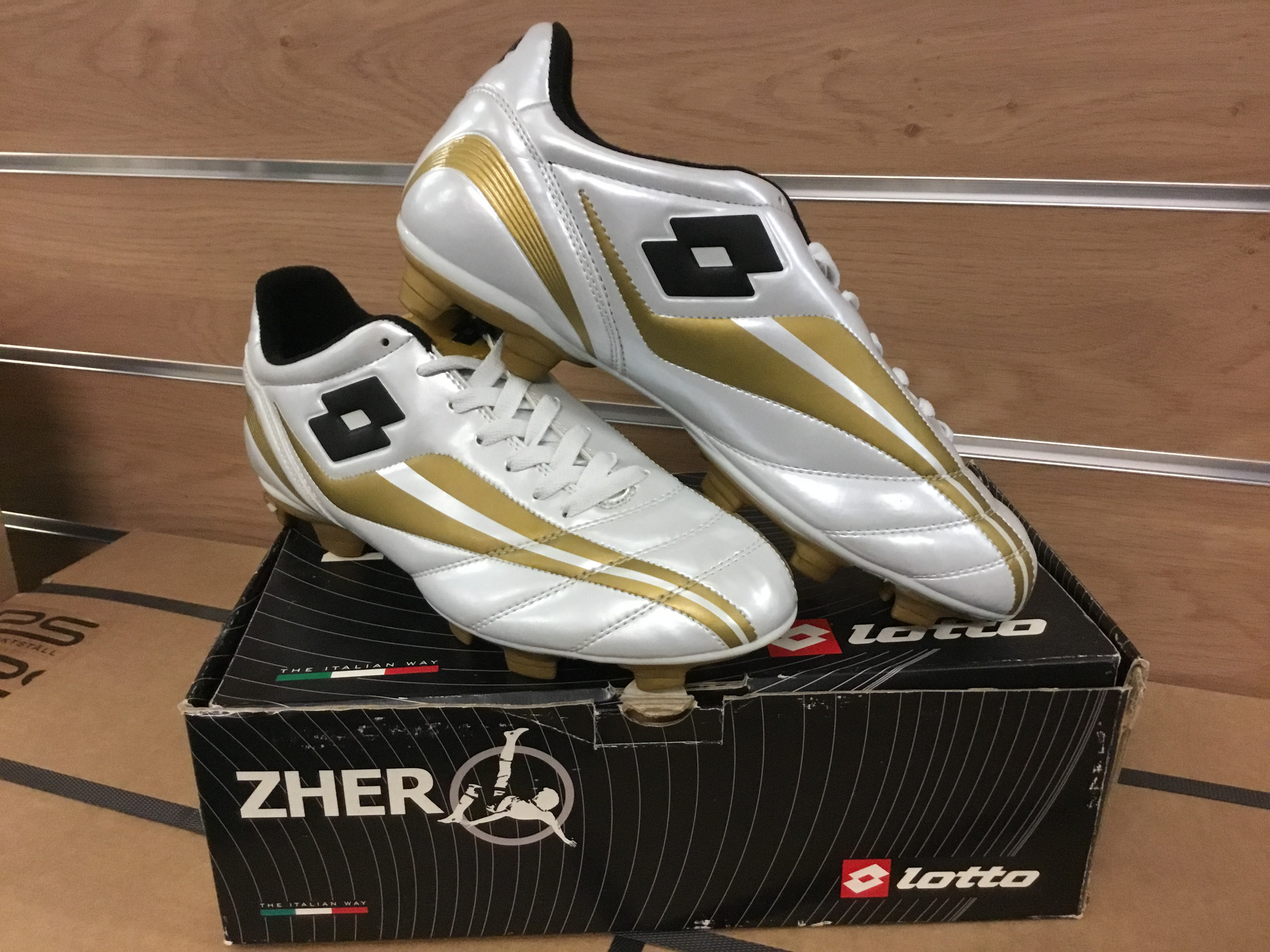 Lotto-Soccer-Cleats-H3946