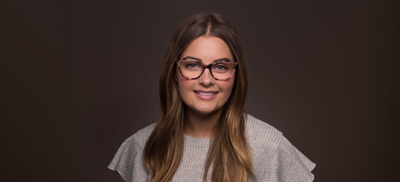 Image of model wearing Erin frames