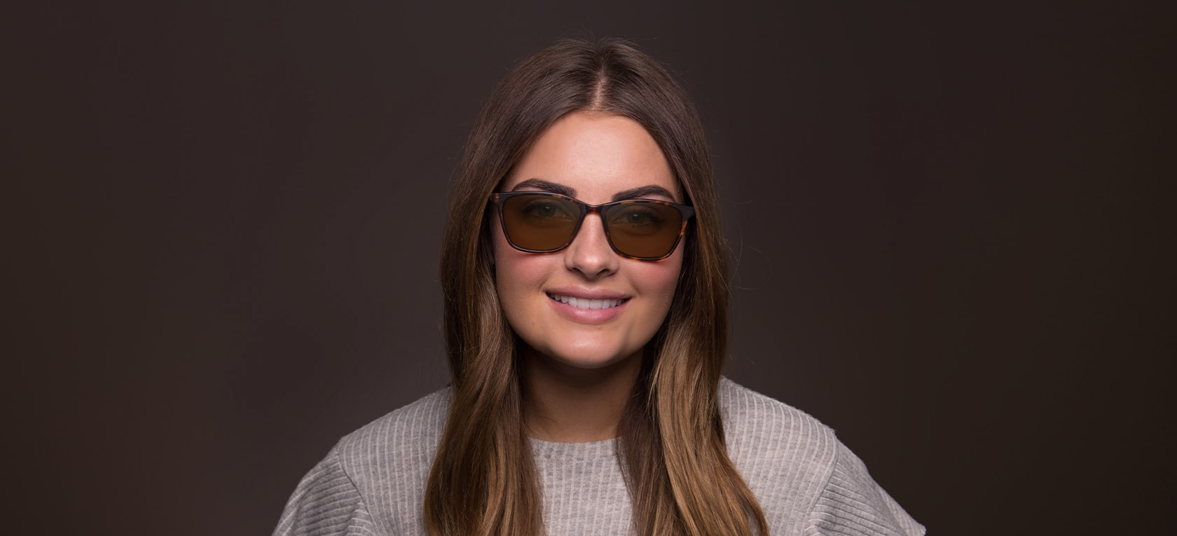 Image of model wearing Adele frames