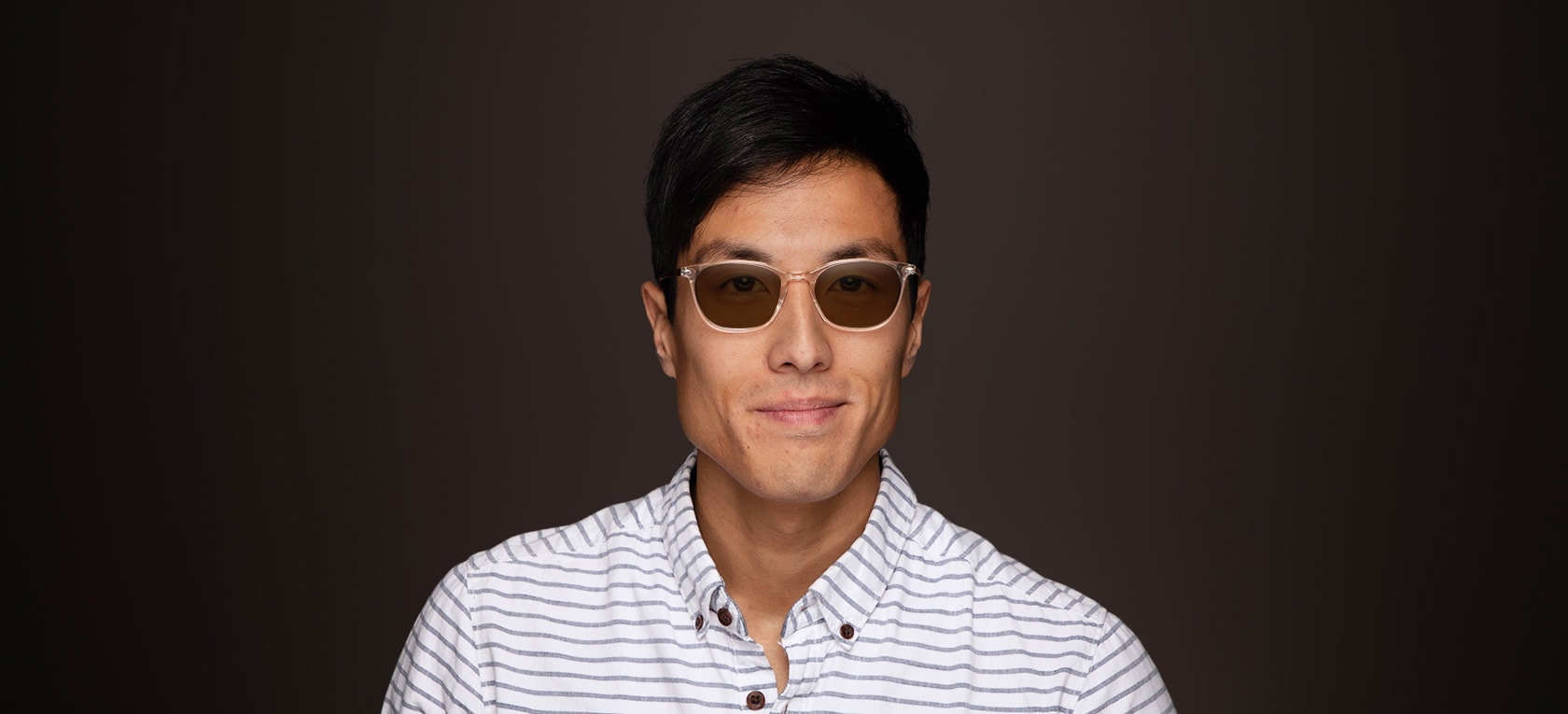 Image of model wearing Chelan frames
