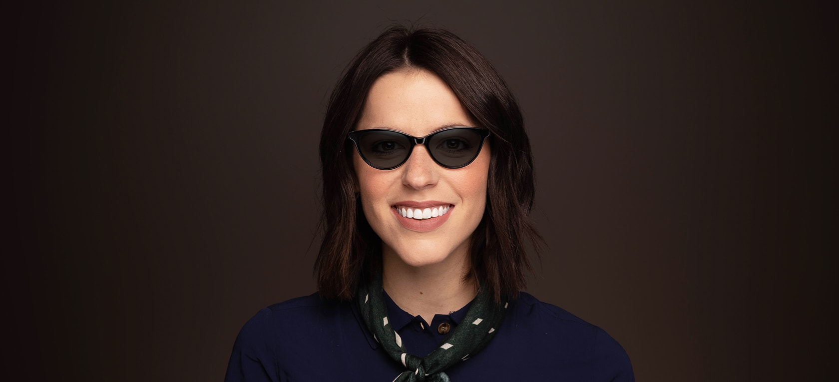 Image of model wearing Verona frames