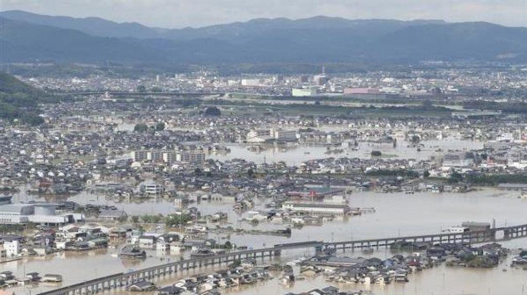 猛烈豪雨橫掃日本關西及中國地區     暴雨成災 交通商業觀光一片混亂