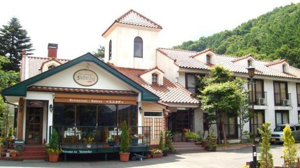 地處奧河口湖畔 ,「獨佔」河口湖或富士山景的的酒店