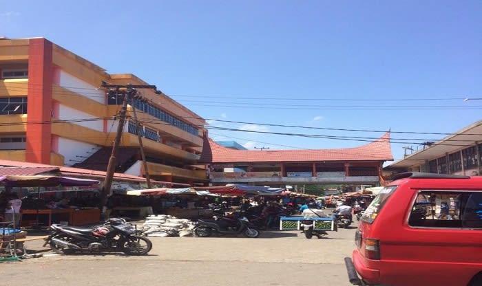 #coronasumbar, #newnormal, #pasarrayapadang Limbago.id