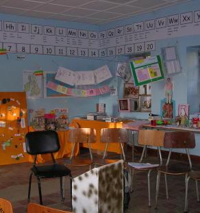 SC06 - Paint a classroom