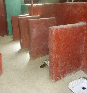 TL03 04 - Clean a toilet