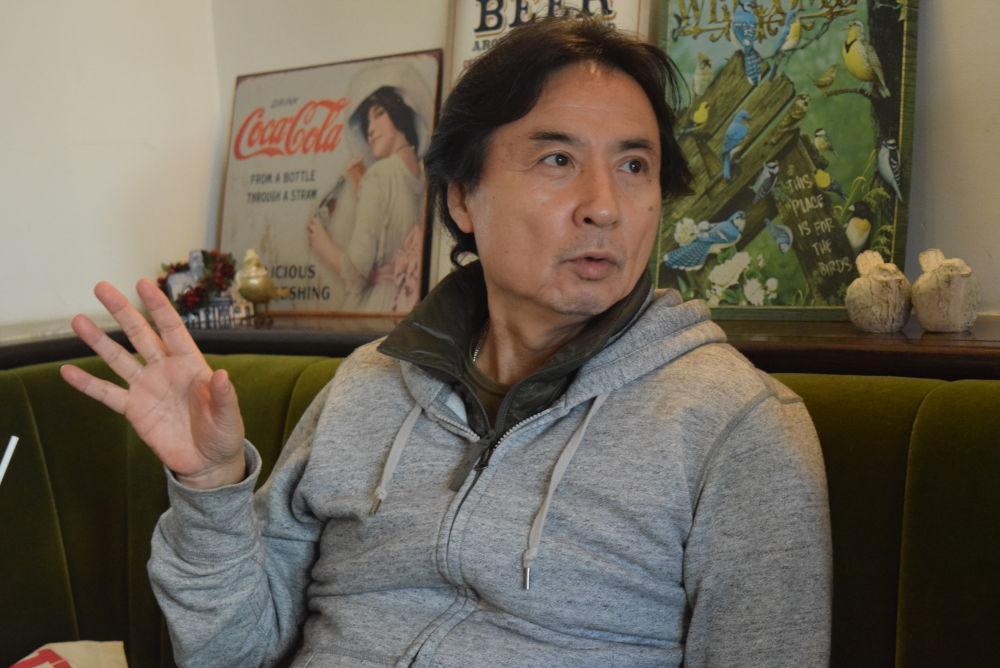 鈴木國弘氏