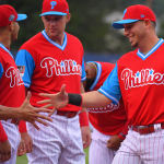 phillies players shaking hands