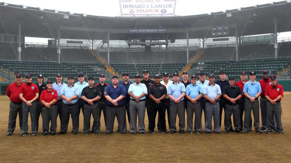 umpire-clinic group shot