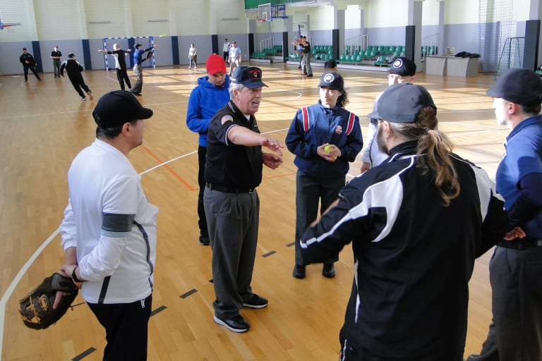 Tom Rawlings instructs volunteer umpires
