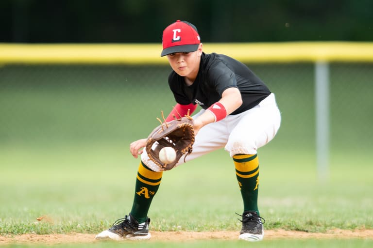 llbws 2019 canada player catching ball