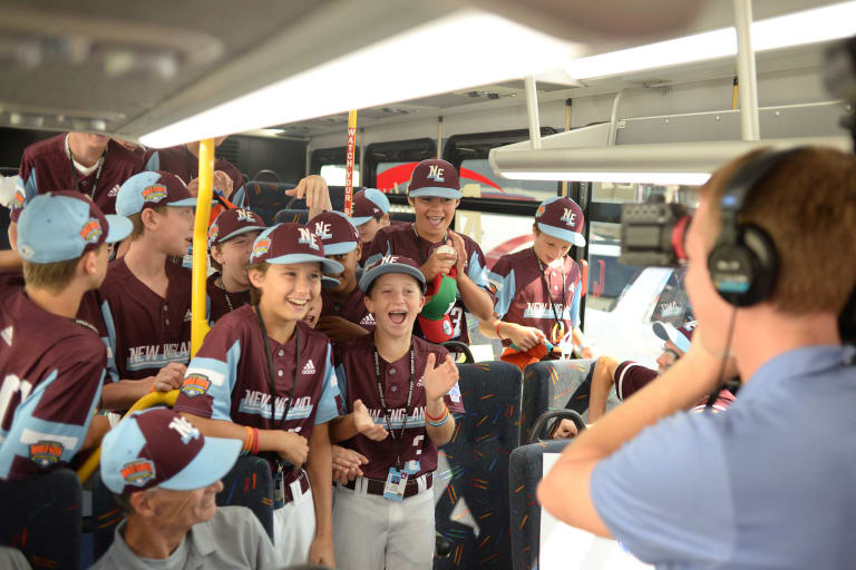 New England team on bus ready to meet MLB players