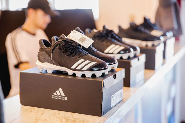 adidas 2019 LLSBWS