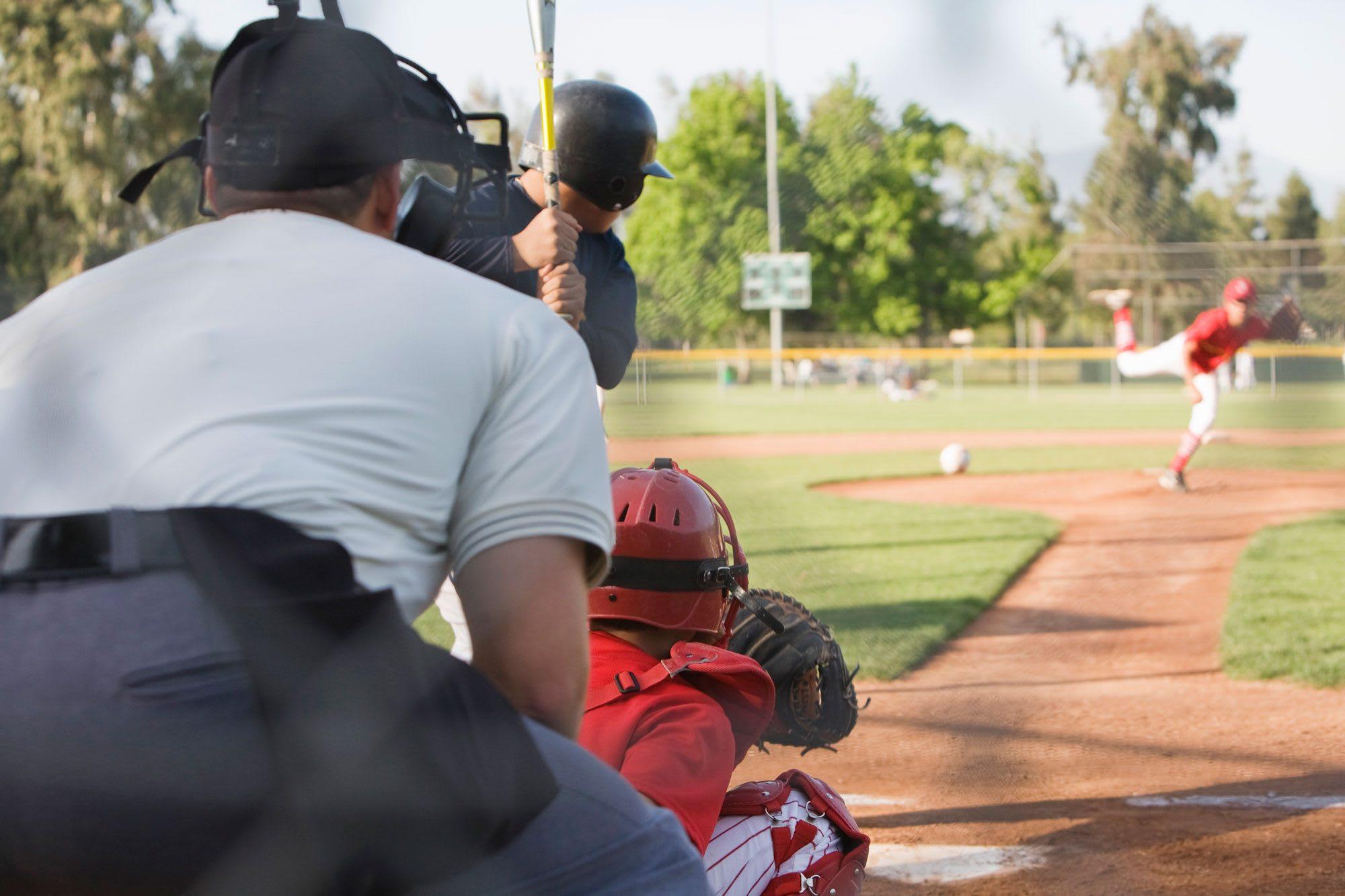 umpire-behind-plate